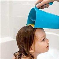 mycie głowy dzieci