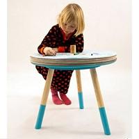 Stoliczek dla małych artystów