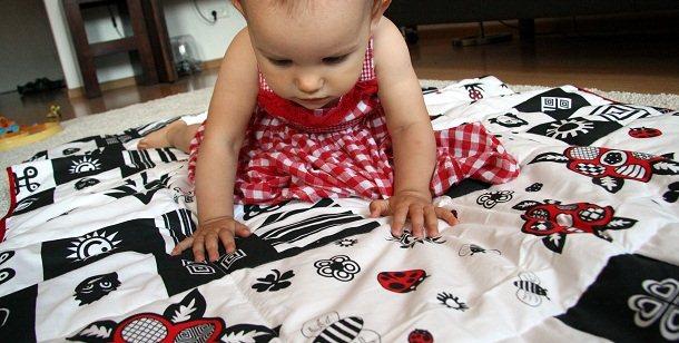 pled white&black dla niemowlaków