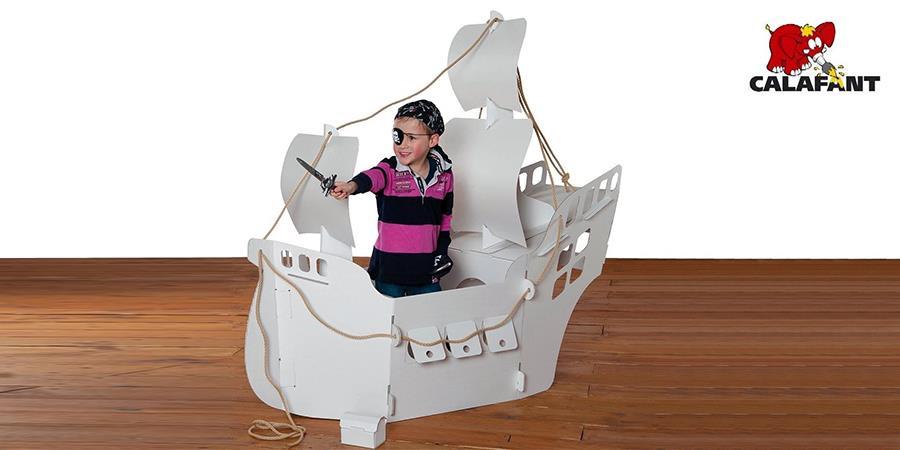 Statek piracki z tektury Calafant