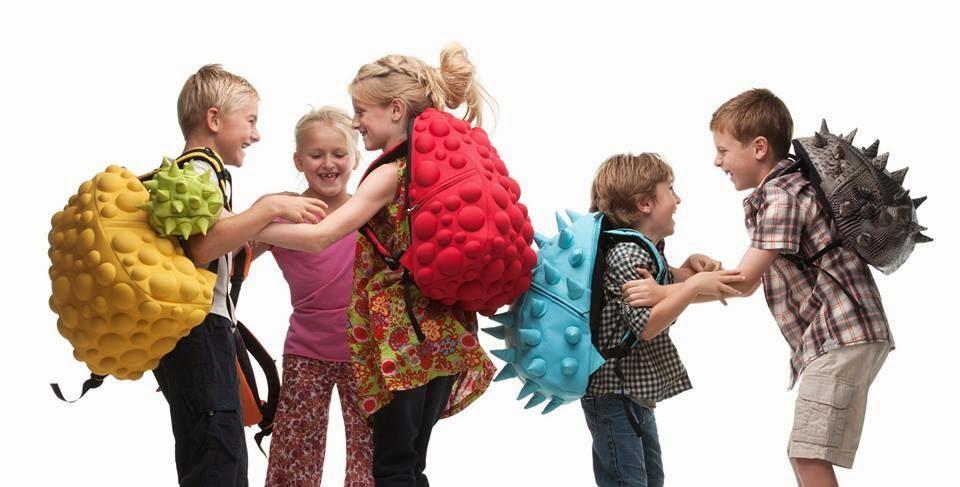 MadPax kolorowe plecaki z kolcami