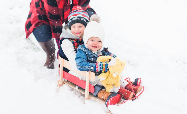 Jak wybrać sanki dla małego dziecka?