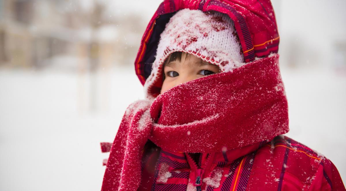 Akcesoriów na zimowy spacer z dzieckiem