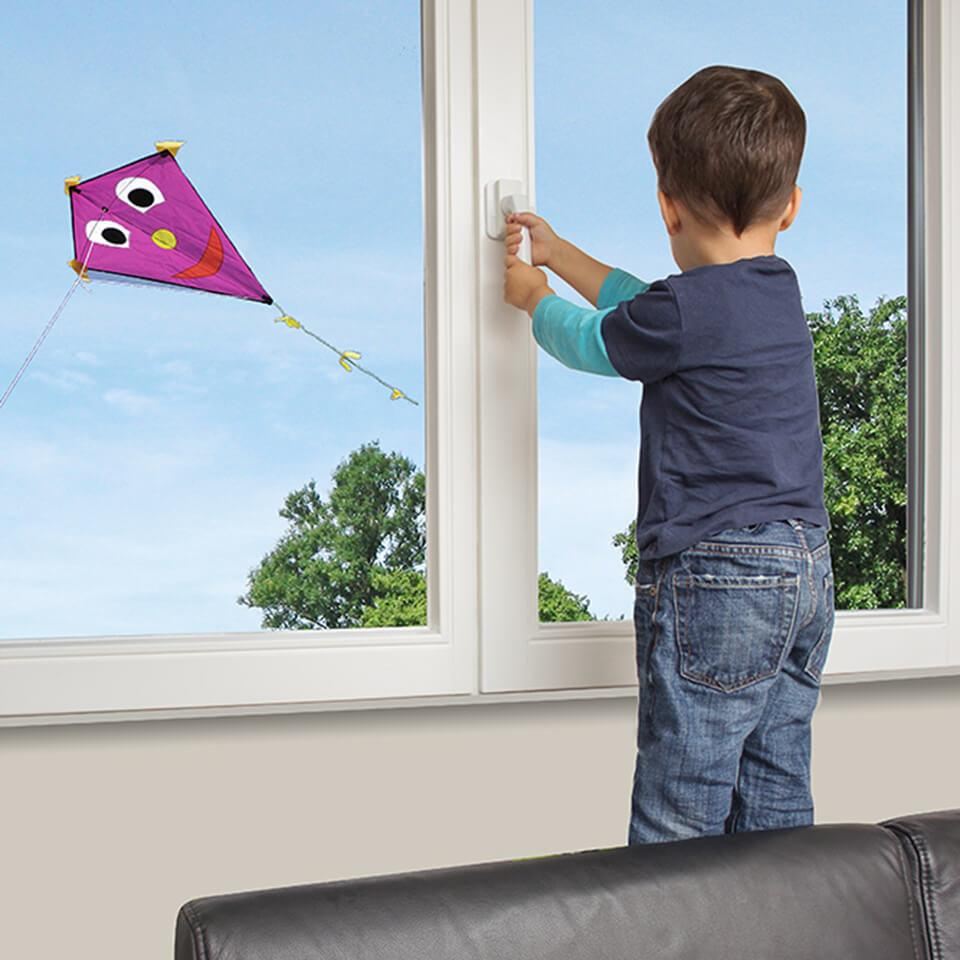 Seria zabezpieczeń okien, klamek, drzwi balkonowych REER