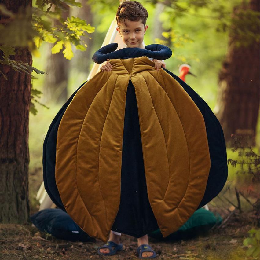 KOLEKCJA FOREST – Seria akcesoriów i dekoracji do pokoju z matą do zabawy Beetle